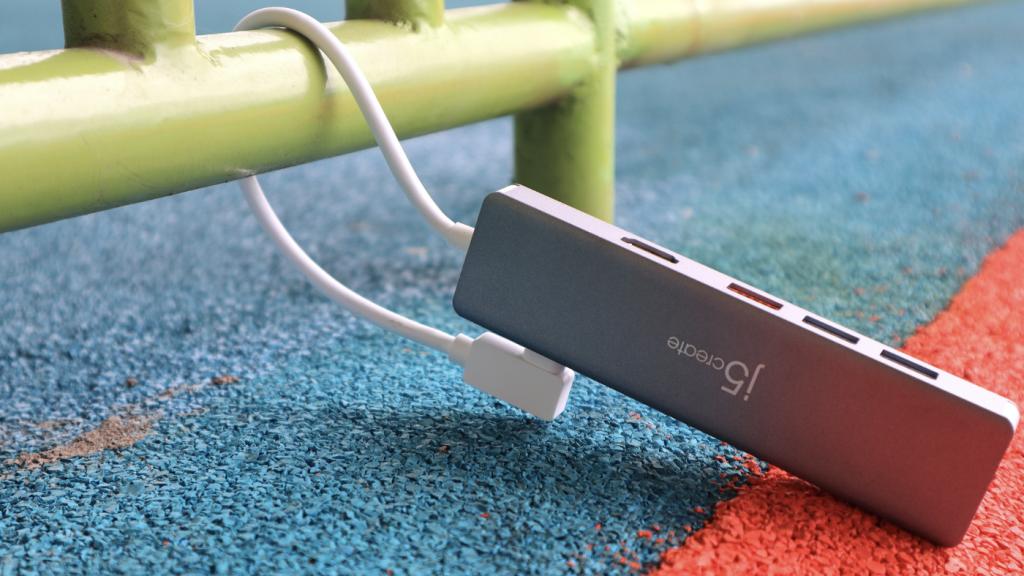 終於有 10Gbps 的 USB-C hub!開箱手上第一支 j5create JCD375 USB3.2 Gen2 - 2