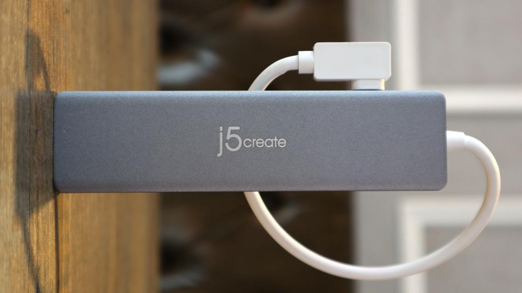 終於有 10Gbps 的 USB-C hub!開箱手上第一支 j5create JCD375 USB3.2 Gen2 - 17