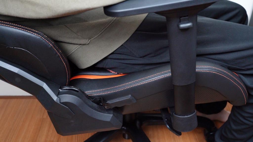 高 CP 值得好選擇!darkFlash RC900 電競椅,加個方向盤我可以直接上賽道?