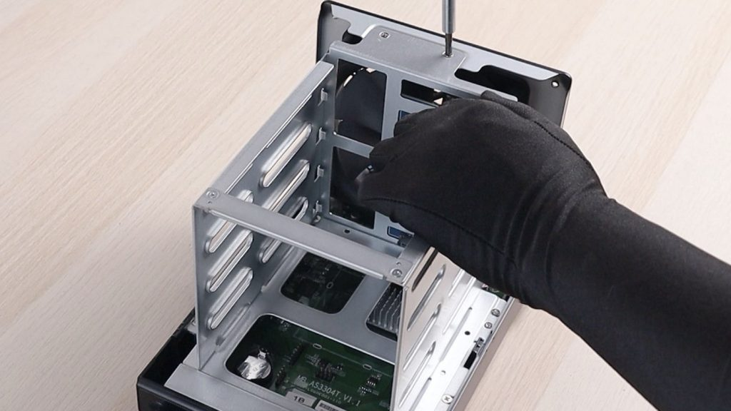 華芸 AS3304T 開箱和拆解,原來跟 AS5304T、AS6604T 共用了這些零件!
