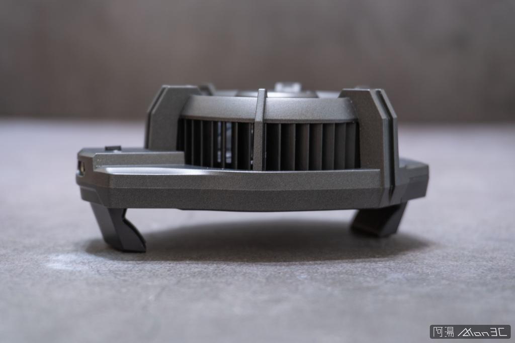 「開箱」信星飛智蜂翼 2 Pro 手機製冷散熱器 - 玩手遊不熱當! - 7
