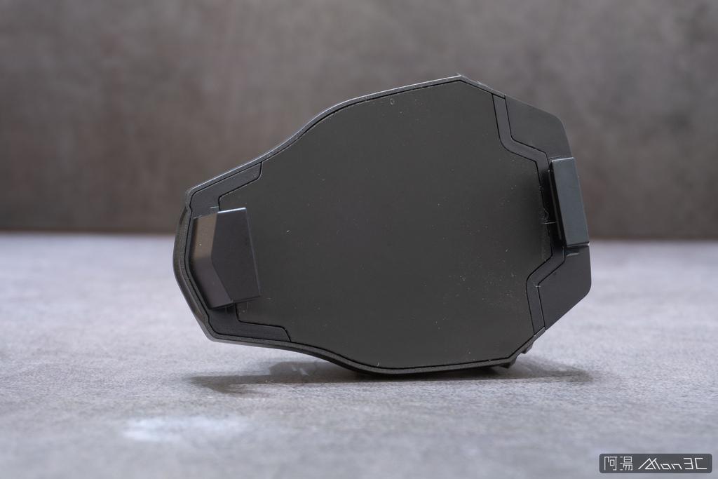 「開箱」信星飛智蜂翼 2 Pro 手機製冷散熱器 - 玩手遊不熱當! - 8