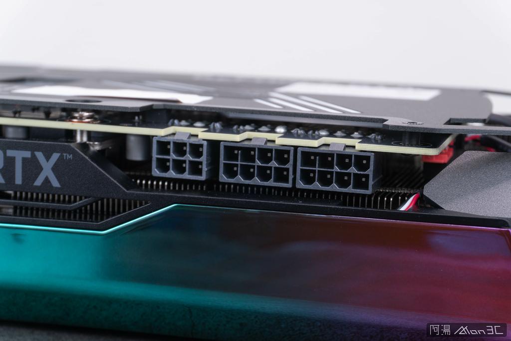 「評測。開箱」ZOTAC GAMING GeForce RTX 3070 Ti AMP Extreme Holo - 堆料的極致